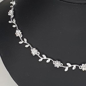 christina collection Jewelry - Christina Collection Rhinestone Flower  Necklace